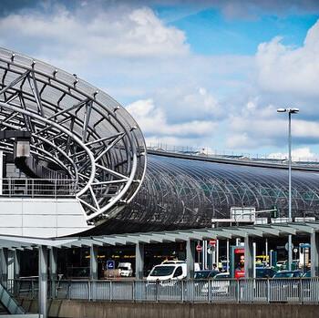 airport-1515449_640-1605199088-medium