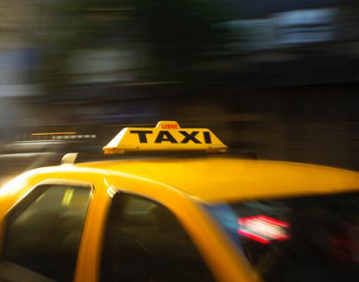 Parkeren bij Schiphol of Schiphol taxi