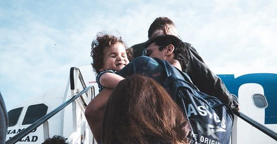 Enfant Avion Escaliers
